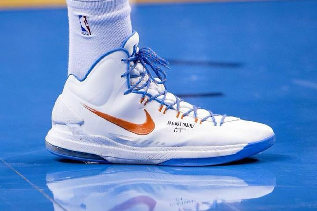 Kevin Durant remembers the fallen in the Newtown, CT tragedy