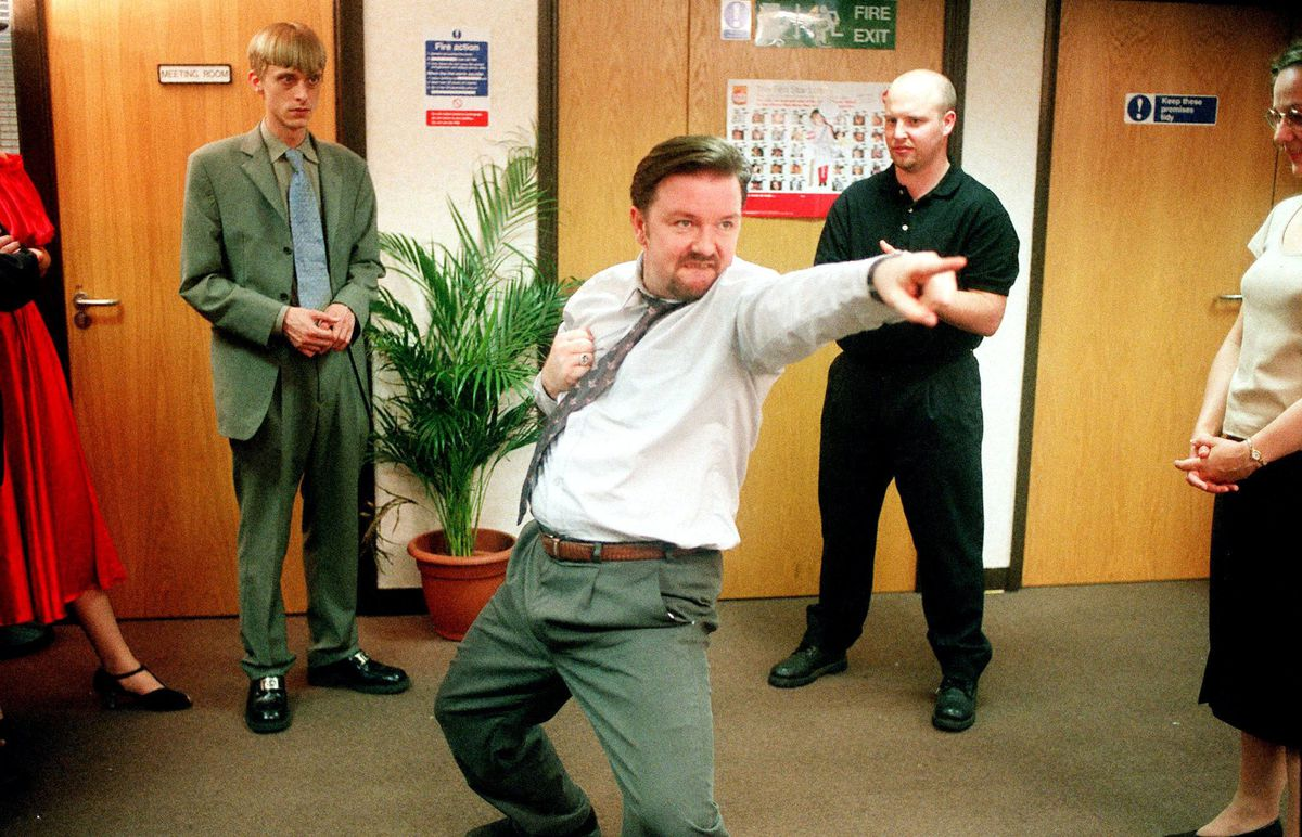 Ricky Gervais danse dans The Office