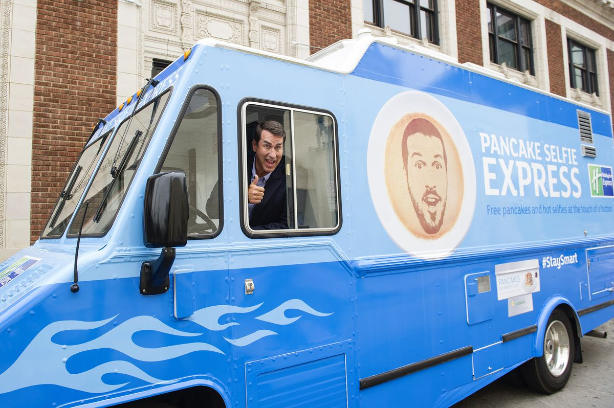 The Pancake selfie truck [Photo: Official]