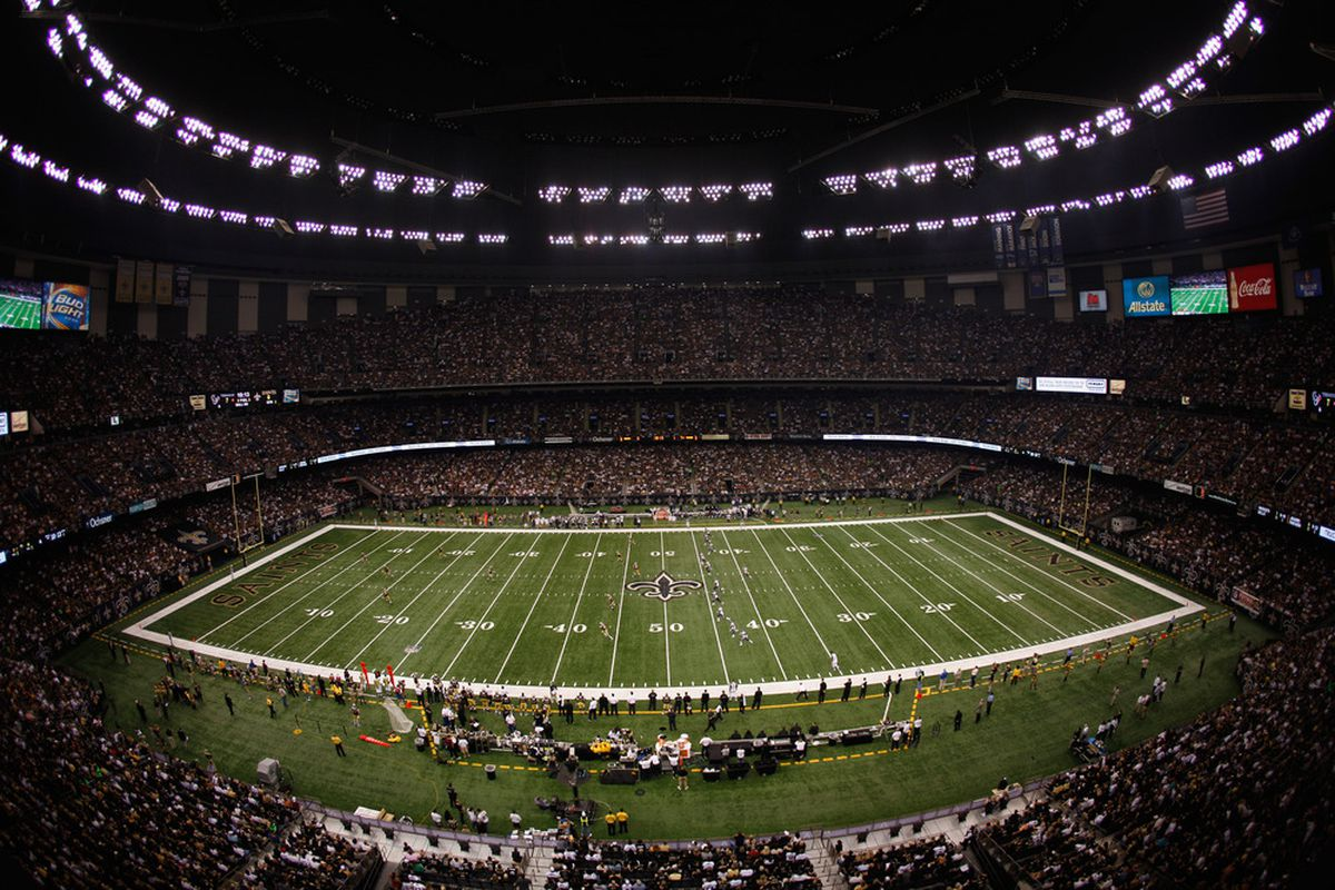 NEW ORLEANS, LA - SEPTEMBER 25:  The Houston Texans kick the ball to the New Orleans Saints at the Louisiana Superdome on September 25, 2011 in New Orleans, Louisiana.  (Photo by Chris Graythen/Getty Images)