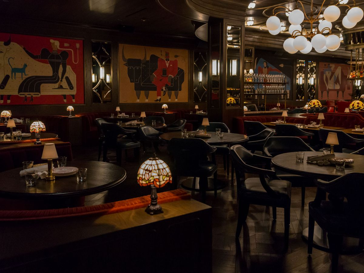 The dining room at Bavette's