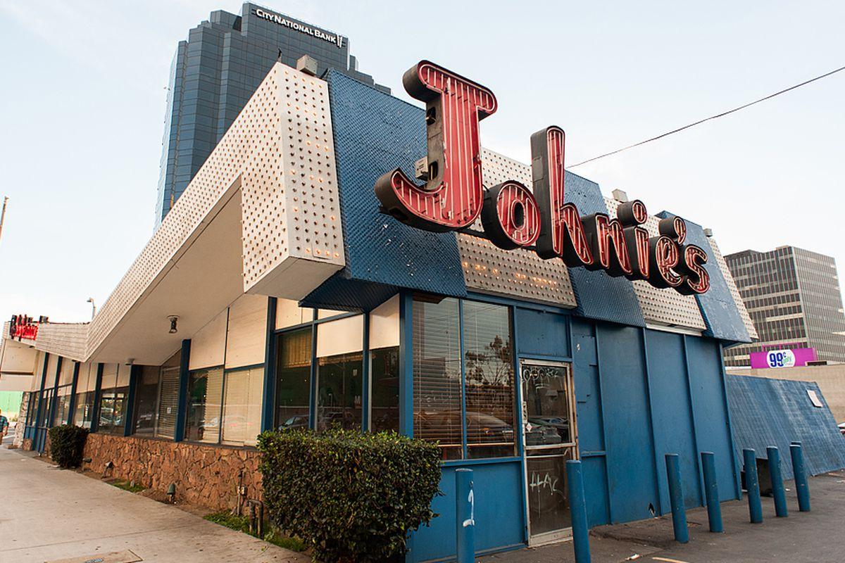 Johnie's Coffee Shop, Wilshire