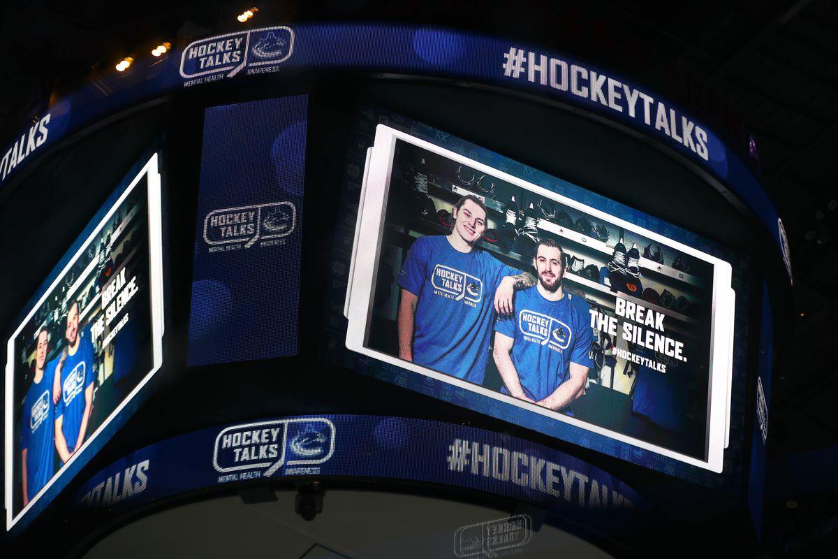 NHL: JAN 16 Coyotes at Canucks