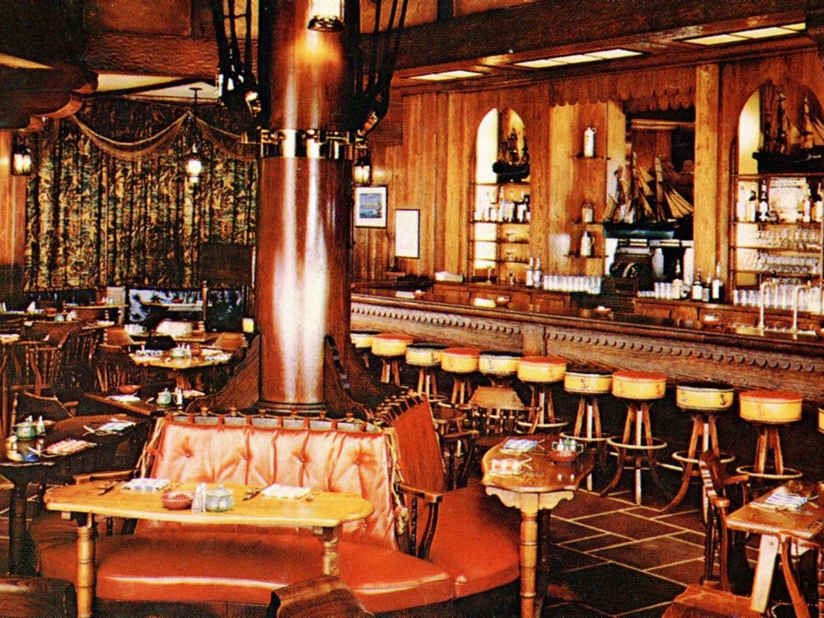 Diners Looking To Enjoy The Finer Side Can Head Clic Brown Palace Where Restaurant Arms