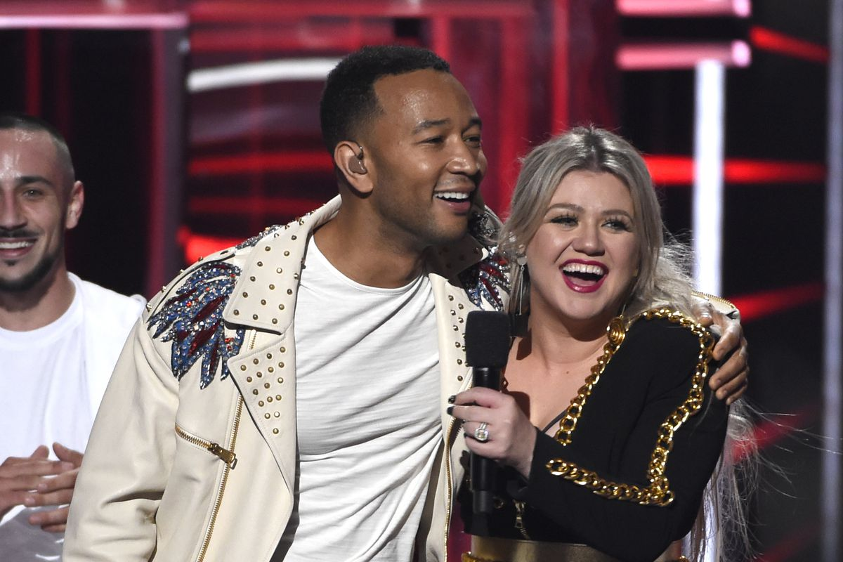 John Legend and Kelly Clarkson are remaking 'Baby It's Cold Outside' — with updated lyrics ...