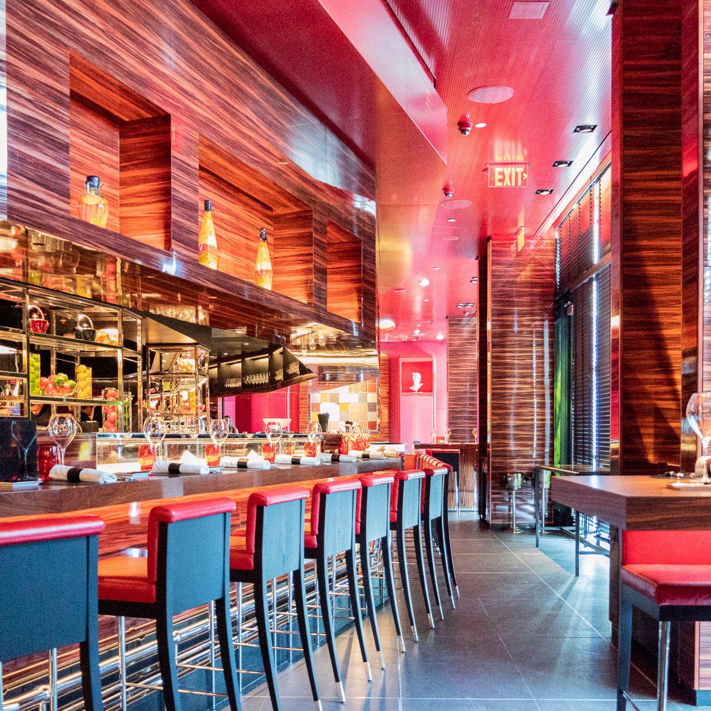 L Atelier De Joel Robuchon Opens In The Miami Design District Eater Miami