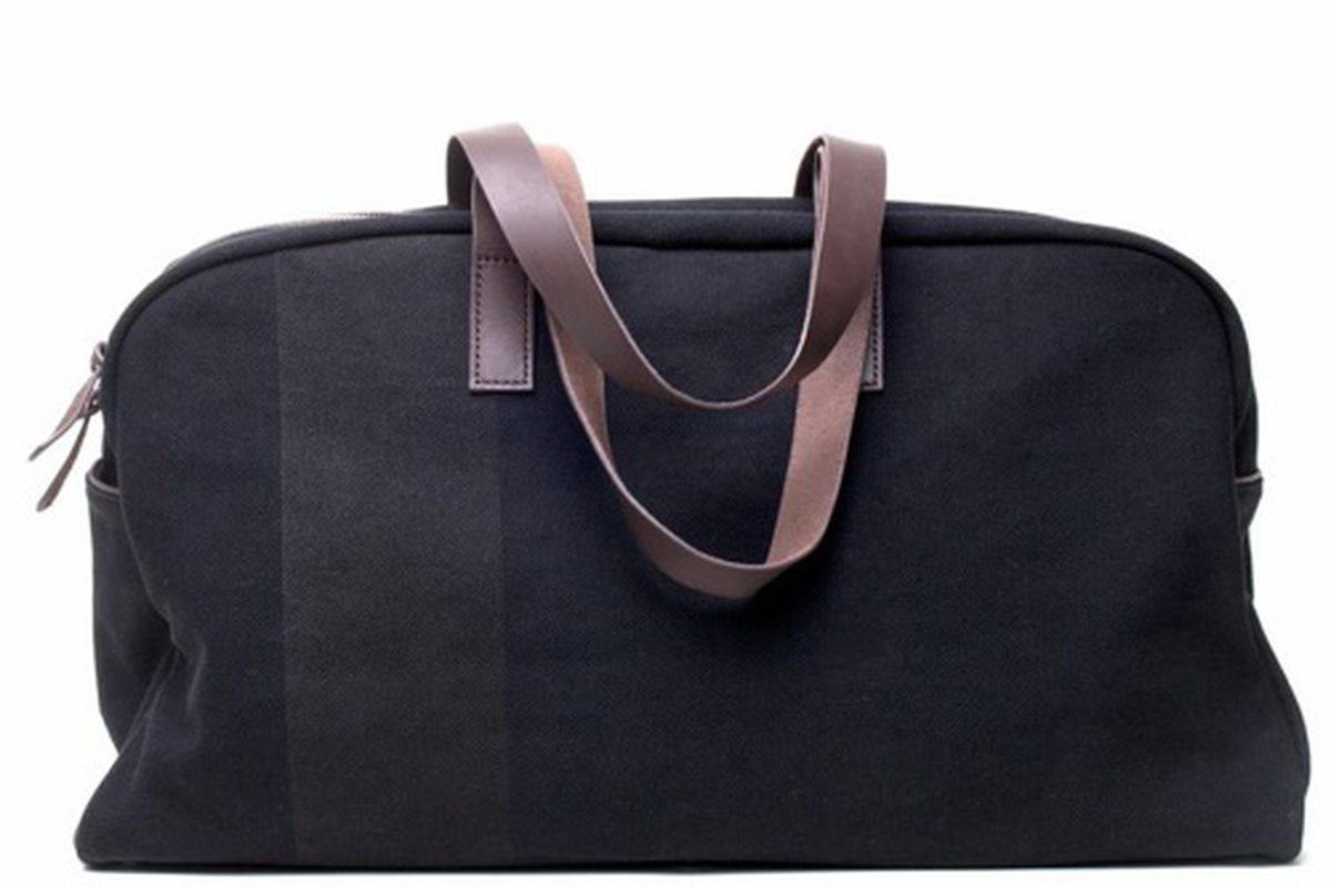 Test your smarts to win this Everlane Weekender, $95.