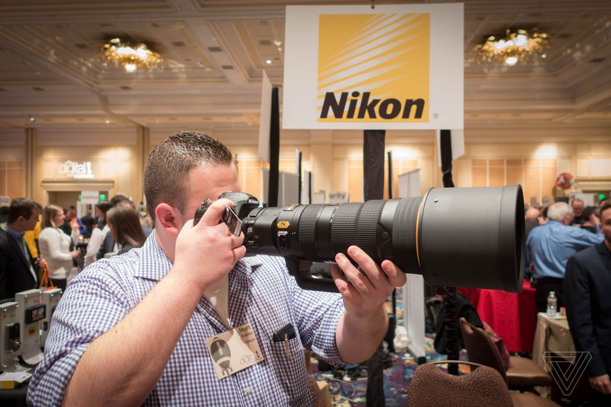 Nikon 180-400mm f/4: $12400 for Nikon's First Built-In Teleconverter