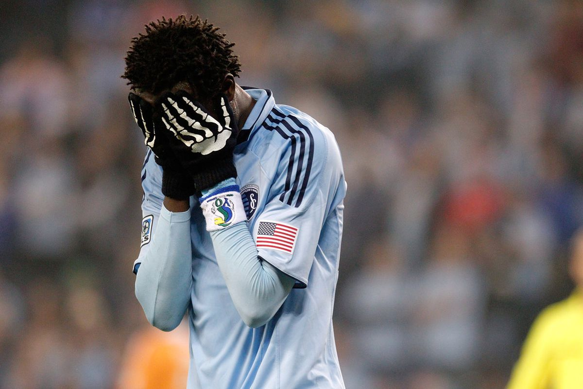 """Even his skeletal gloves were not enough for the """"heart-shaped hands"""" Kamara to reach the MLS Cup Final"""