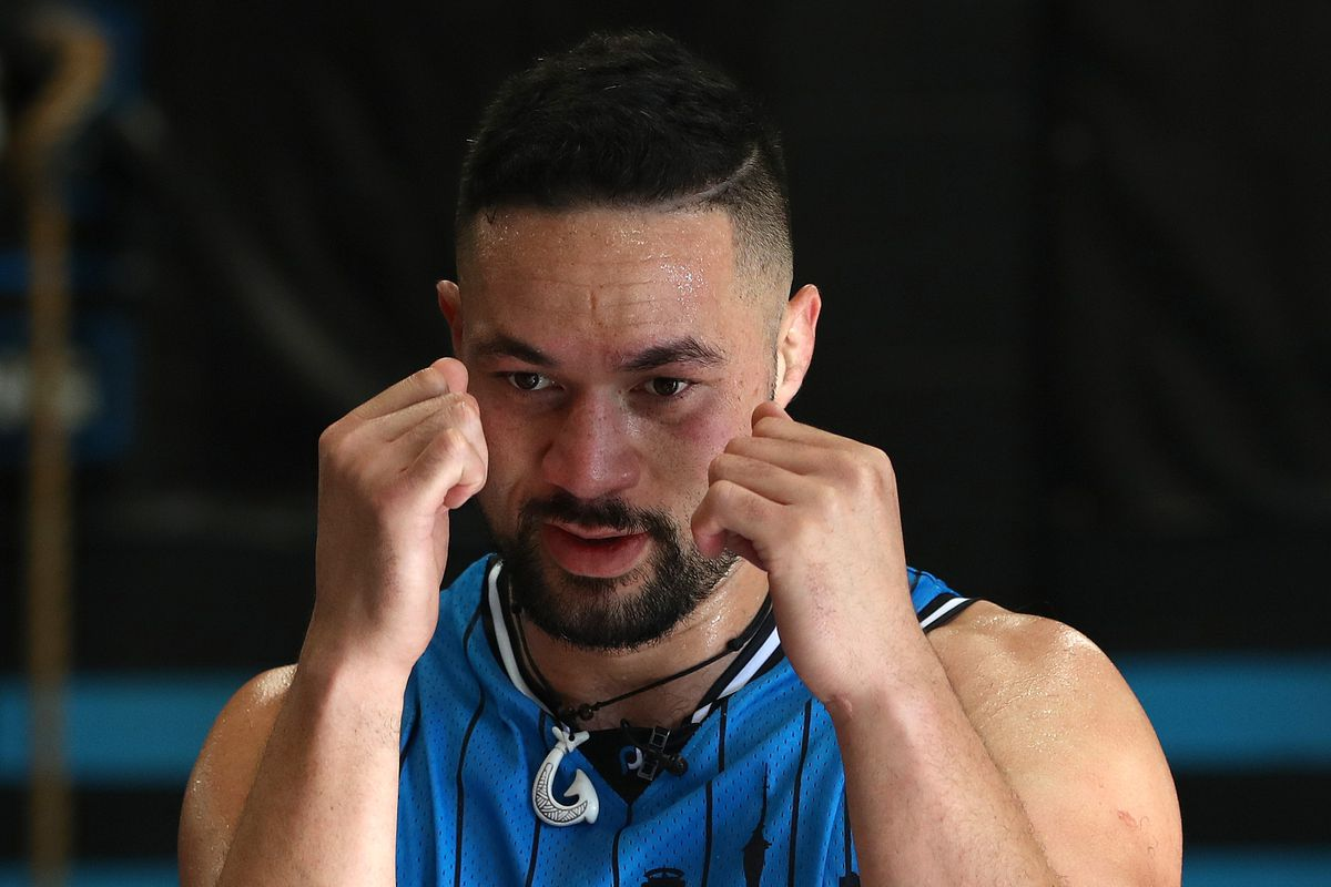 Joseph Parker Trains with New Zealand Breakers