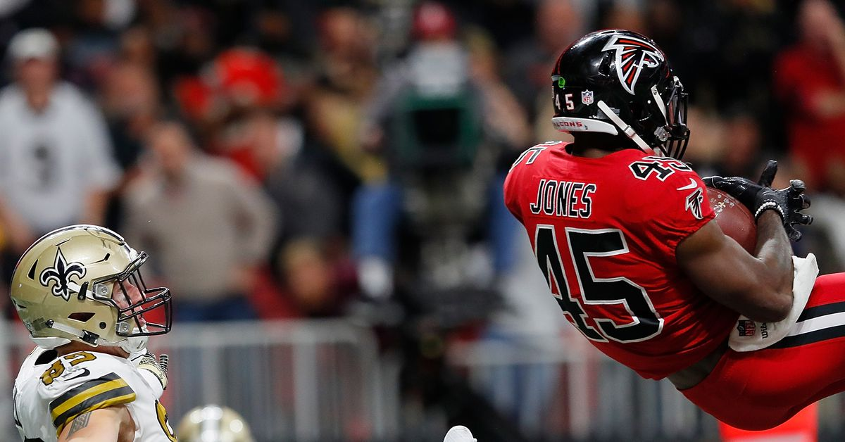Report: Deion Jones could sign contract extension today