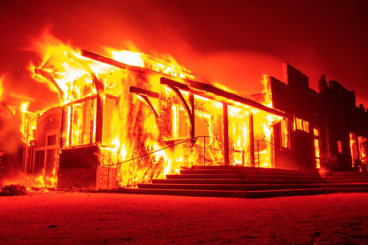 Soda Rock winery burns