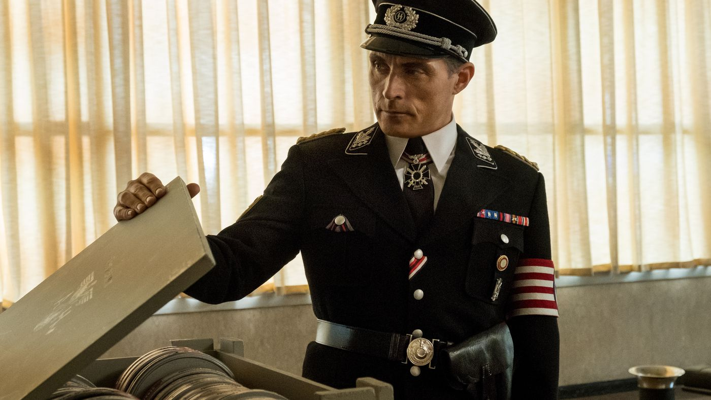 The Man In The High Castle Season 3 Review Too Many Characters Too Little Time Vox