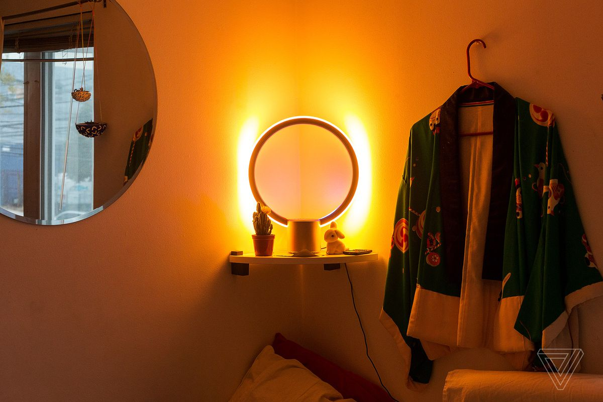 The C By Ge Sol Light Looks Futuristic But Doesnt Need Alexa Automatic Night Lamp With Morning Alarm Red And Blue Tell Time Representing Hour Hand Minute I Didnt Get How To Read It At First