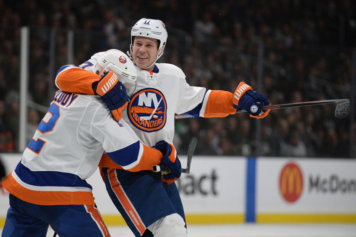 But The Isles Lose Robin Lehner To An Apparent Head Injury