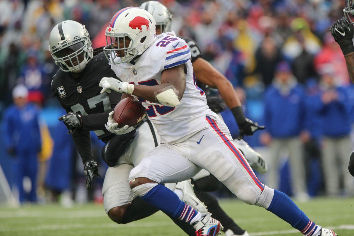 NFL: OCT 29 Raiders at Bills