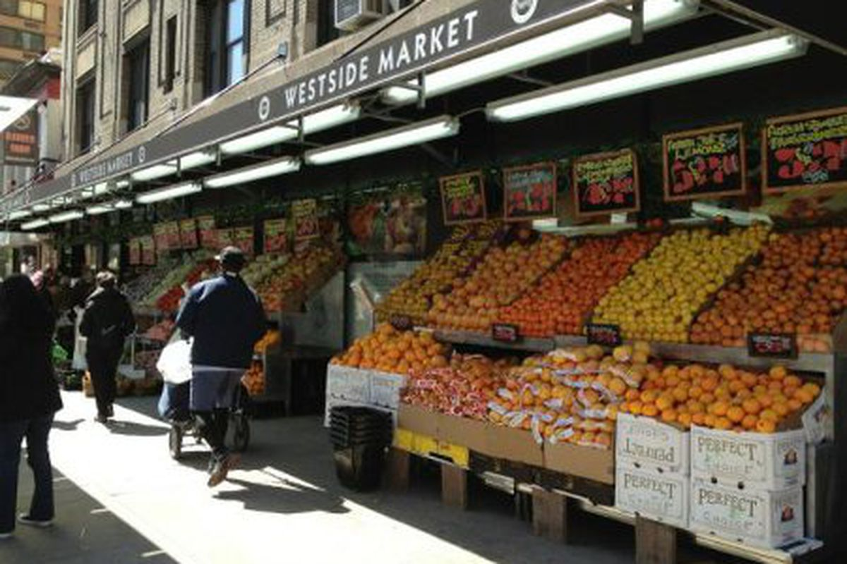 """Photo via <a href=""""http://myupperwest.com/upper-west-side/important-health-department-warns-of-possible-hepatitis-a-exposure-at-97th-street-westside-market/#more-55625"""">MyUpperWest</a>"""