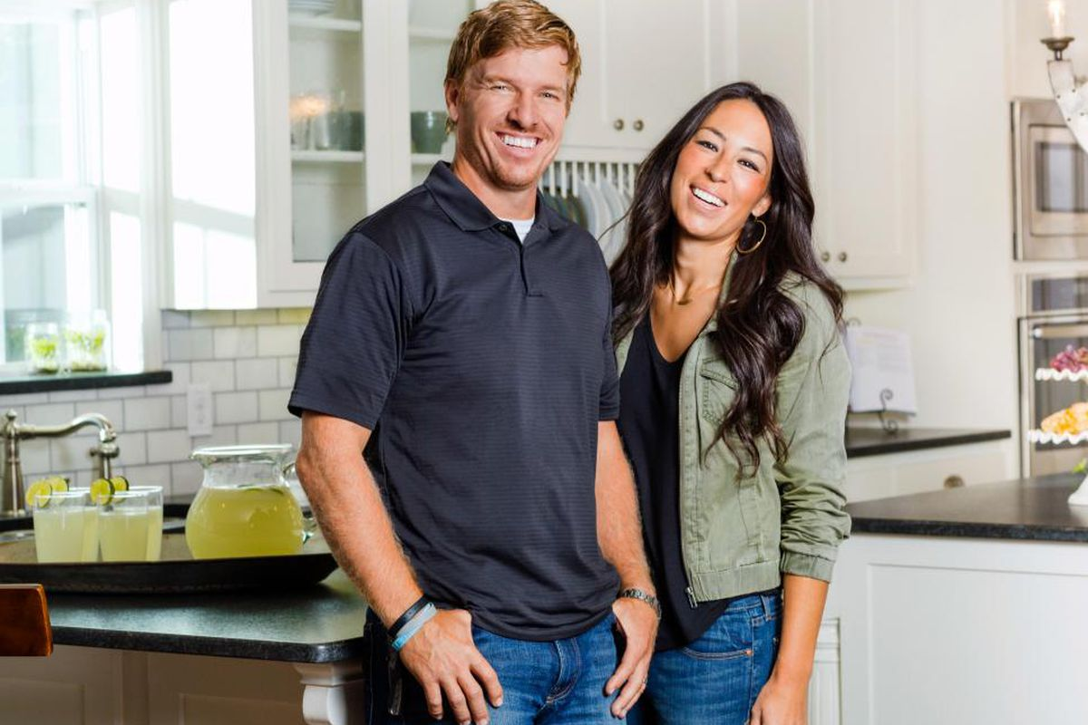 Joanna Gaines Bio Age Divorce Net Worth Ethnicity And Nationality