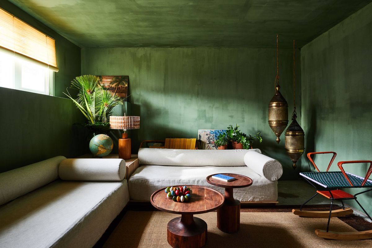 Room with green walls