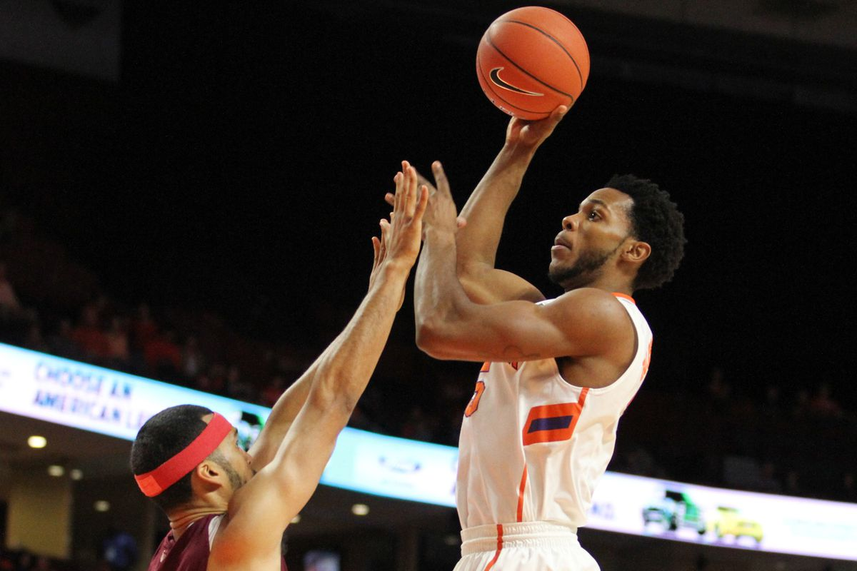 Jaron Blossomgame led the way for Clemson with 22 points and 9 rebounds.