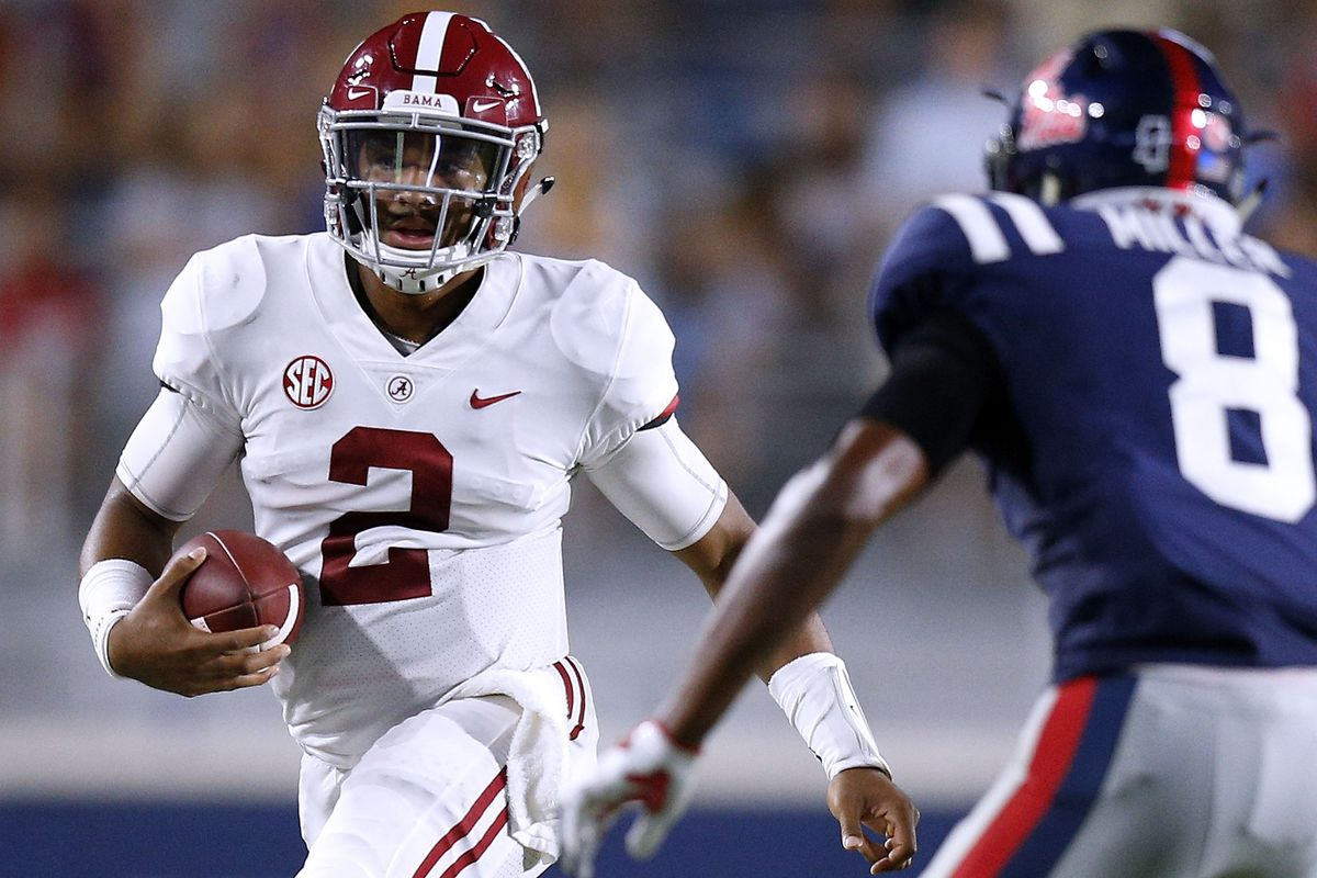 Jalen Hurts will officially keep playing for Alabama in 2018