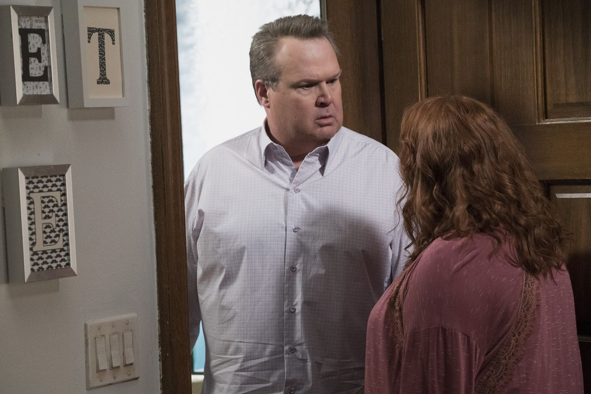 eric stonestreet stars as cameron tucker in modern family abc