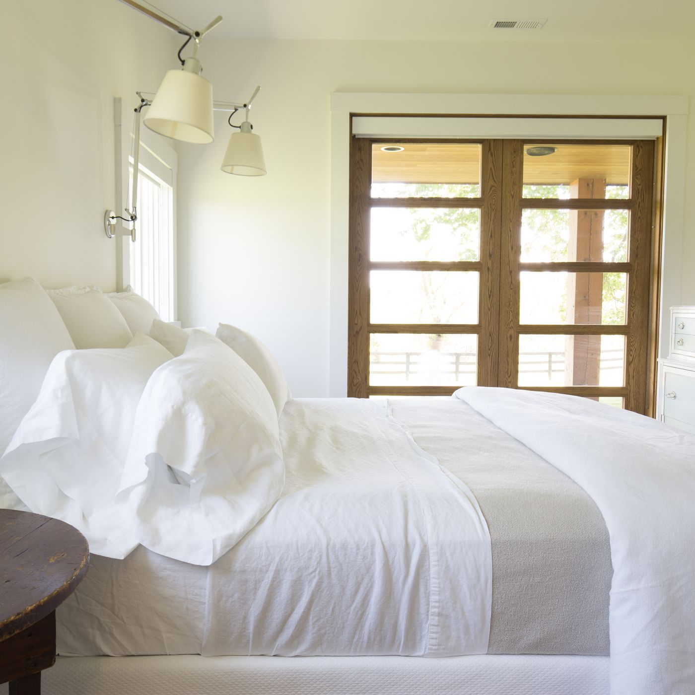 - The Rules Of White Bedding - Racked