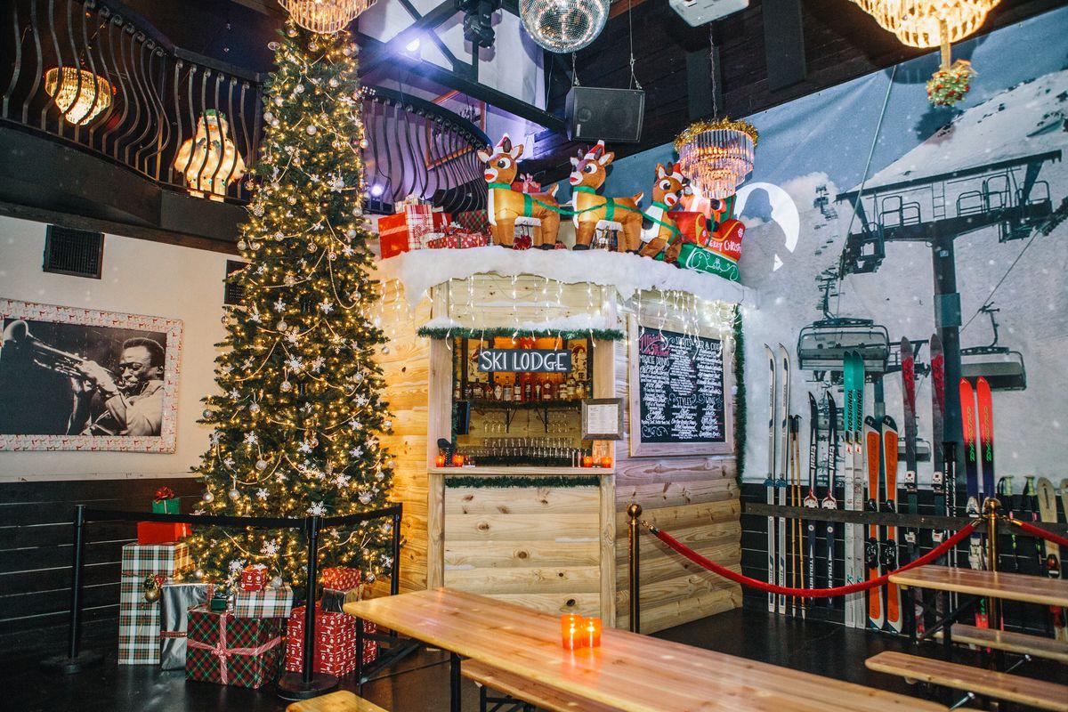 The ski lodge bar at Miracle on 5th Street