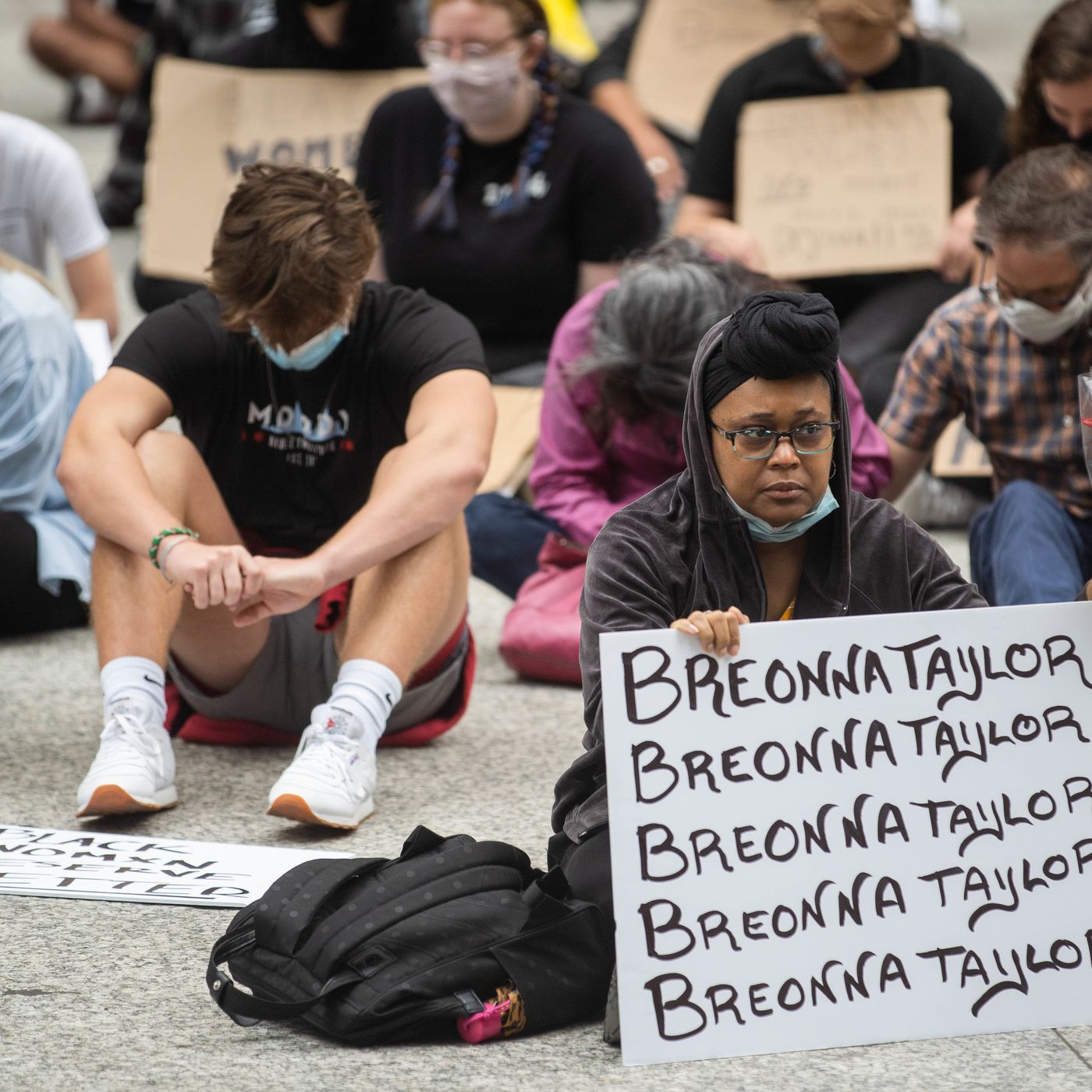 Hundreds Gather To Say Her Name At Daley Center Rally For Breonna Taylor Chicago Sun Times