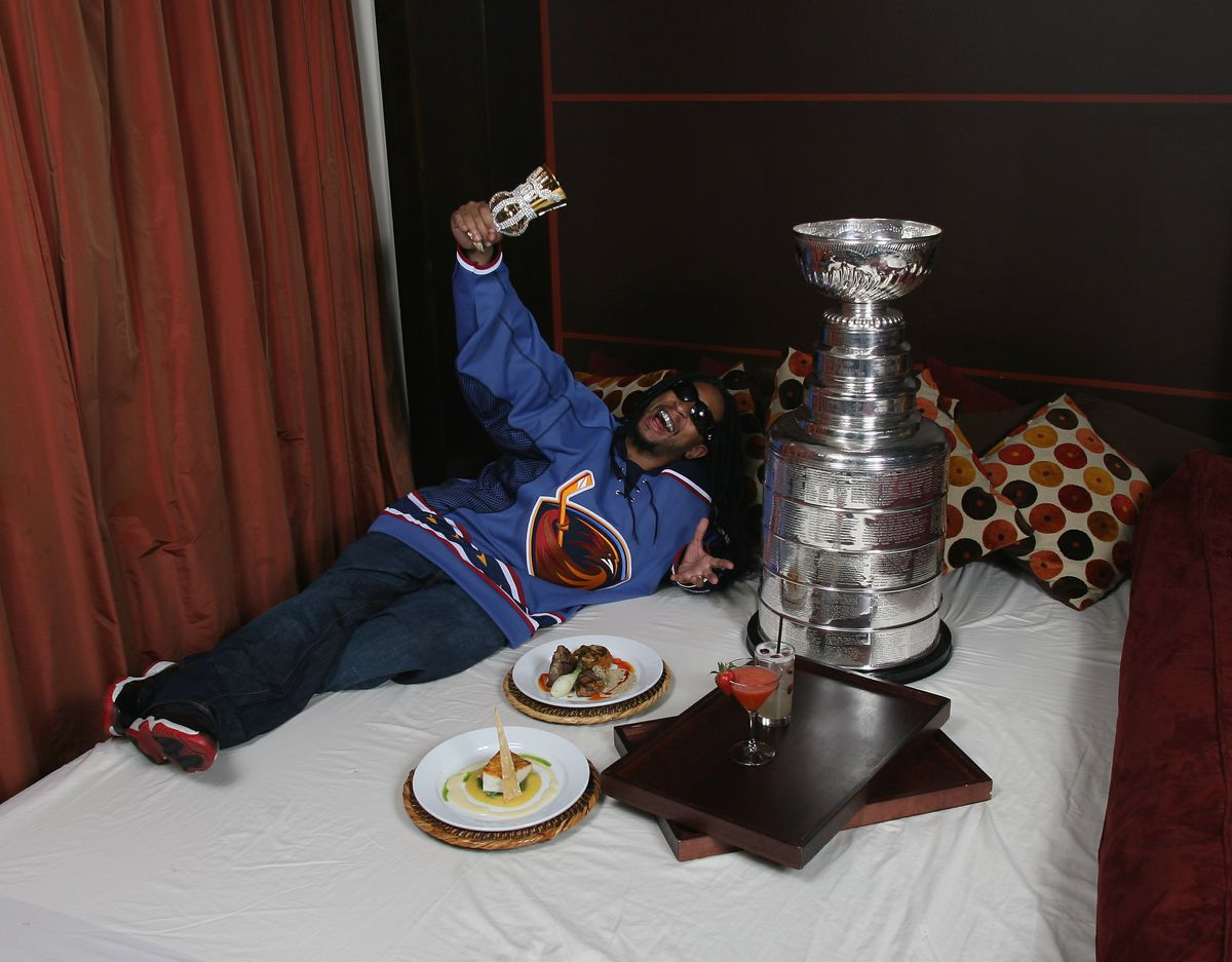 Lil' Jon Poses With The Stanley Cup