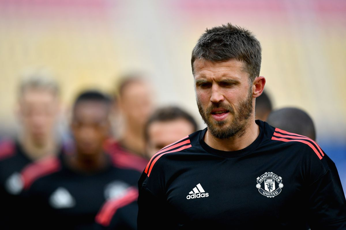 Man Utd captain Carrick 'healthy and back training hard' after heart procedure