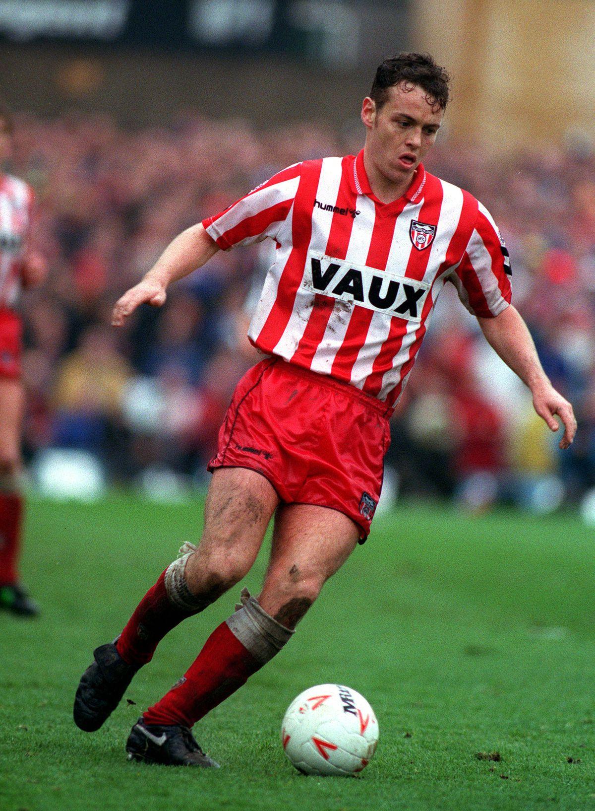 Sport. Football. League Division One. St James Park, England. 22nd April 1993. Newcastle United 1 v Sunderland 0. Sunderland's Gordon Armstrong.
