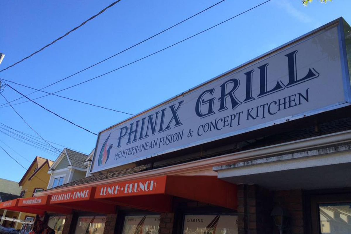 Phinix Grill in Belmont