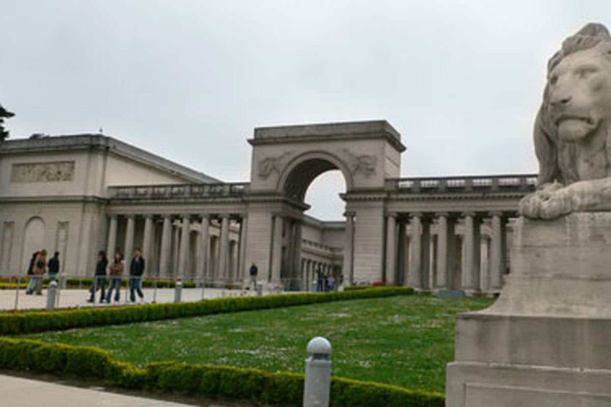 """The Legion of Honor. Image via <a href=""""http://sfrecpark.org/event/legion-of-honor-ongoing-volunteer-project-2/2014-08-09/"""">SF Recreation &amp; Parks</a>."""