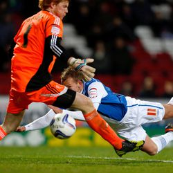 Jordan Rhodes (R) of Blackburn scores his sides first goal during the npower Championship match between Blackburn Rovers and Bolton Wanderers at Ewood Park on November 28, 2012 in Blackburn, England. (Photo by Paul Thomas/Getty Images)