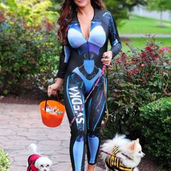 Pauly's Jersey Shore costar JWoww dressed up as the Svedka vodka fembot, which makes sense since she actually is a fembot.