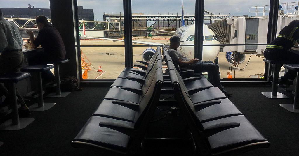 Google will stop feeding airfare data to travel websites