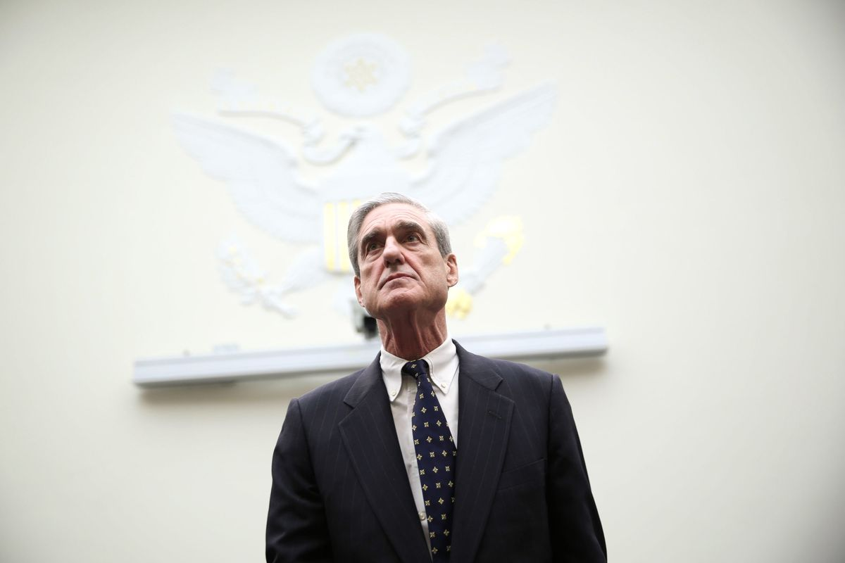 JUNE 13: Federal Bureau of Investigation Director Robert Mueller arrives at a hearing before the House Judiciary Committee June 13, 2013 on Capitol Hill in Washington, DC. Mueller testified on the oversight of the FBI.