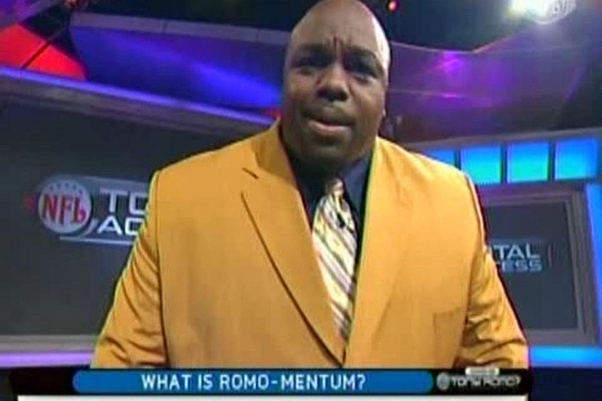 "Jamie Dukes hearts Ron Meeks, banana-colored suit jackets.   Image: <a href=""http://www.arsenalpm.com/wp-content/uploads/jamieduke.jpg"">www.arsenalpm.com</a>"