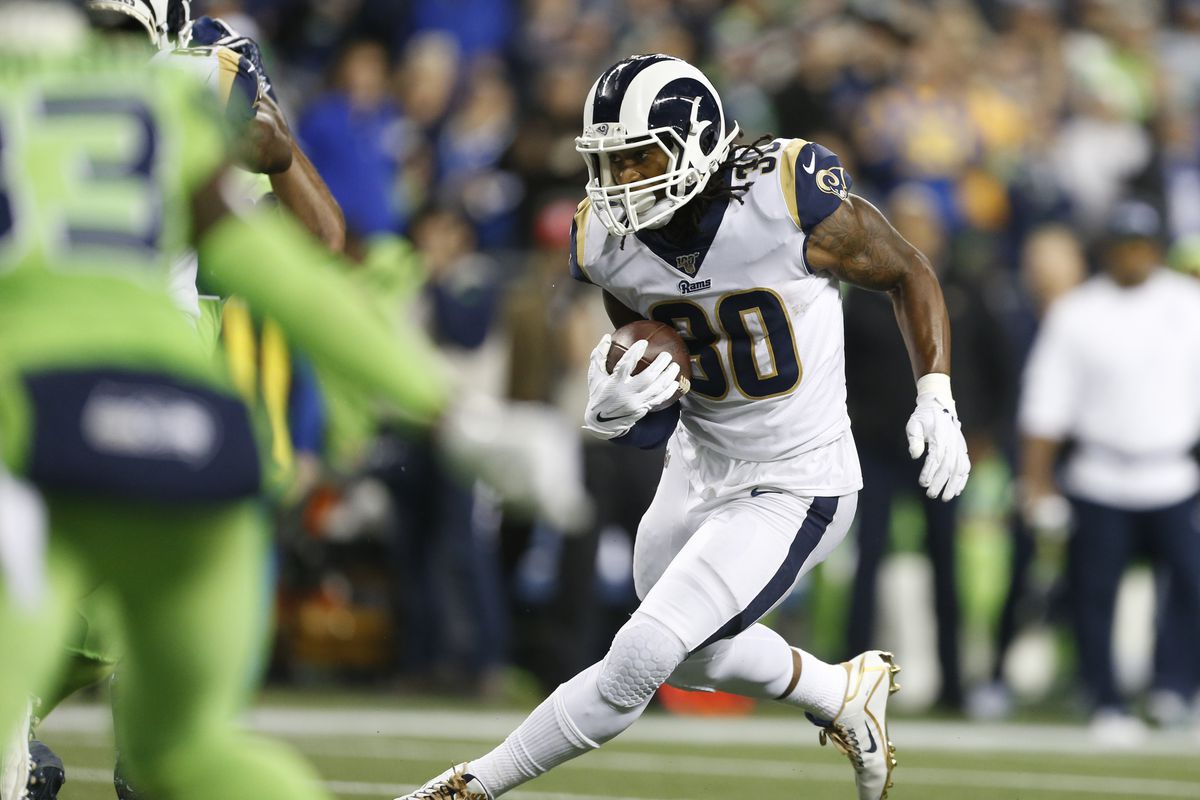 Los Angeles Rams running back Todd Gurley rushes for a touchdown against the Seattle Seahawks during the third quarter at CenturyLink Field.