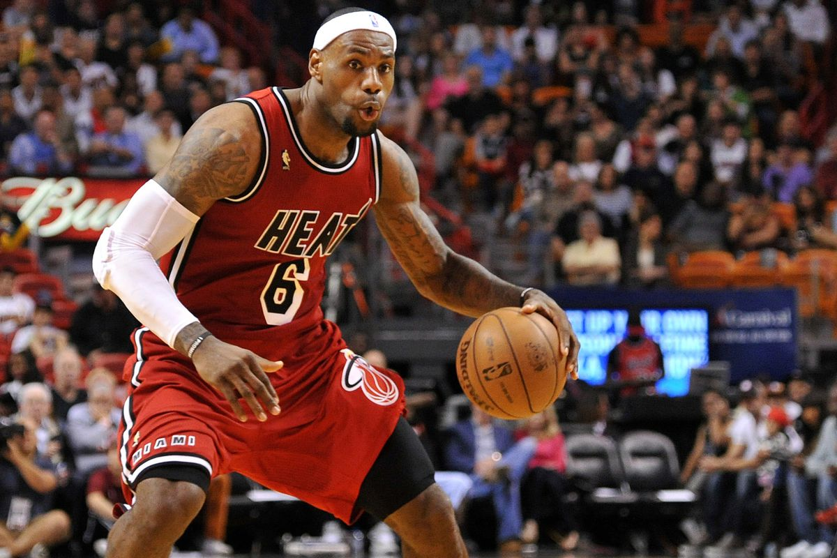 LeBron James has tied a Heat record with four consecutive 30-point games. Will he break it?