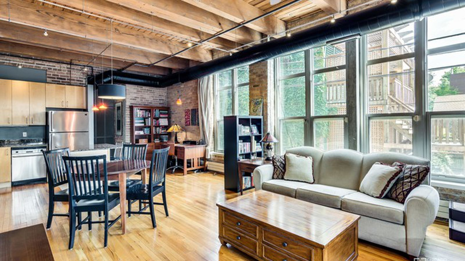 One Bed Timber Loft In Bucktown Asks 334k Curbed Chicago