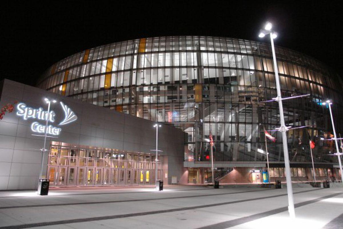 "via <a href=""http://www.markone.com/projects/Sprint_Center_Ice_Arena/Sprint_Center_Ice_Arena_5.jpg"">www.markone.com</a>"