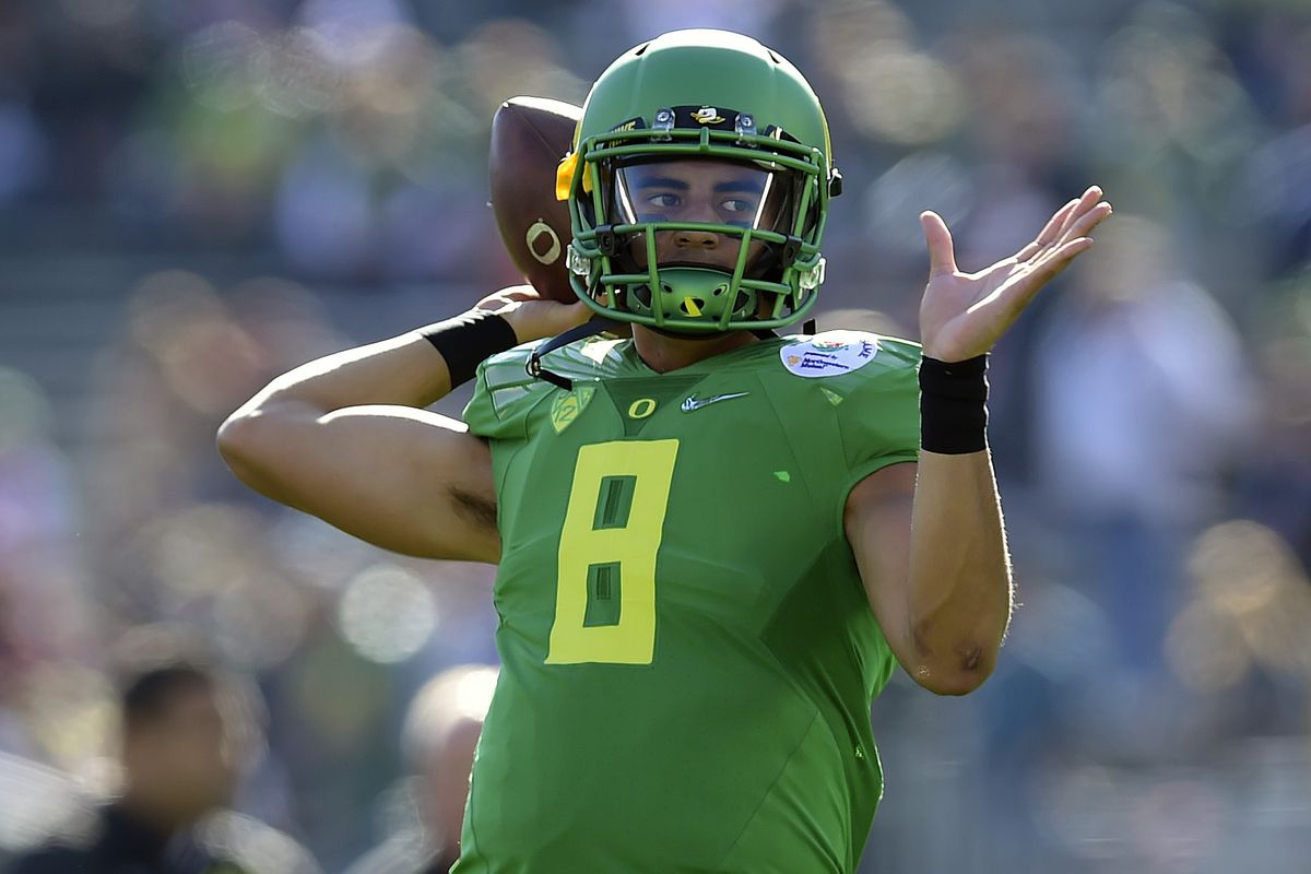 Kickoff time for national championship game - Information On The Ncaa Title Game Between The Oregon Ducks And Ohio State Buckeyes Including The Kickoff Time Livestream Tv Channel Odds