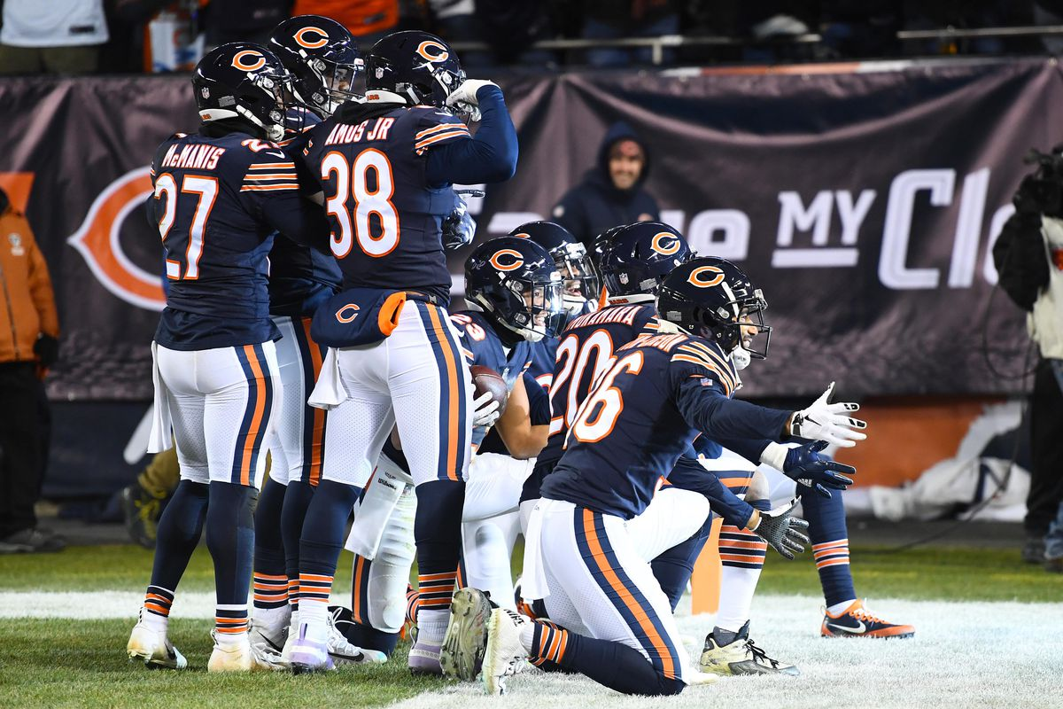 Chicago Bears: Game balls after a monumental 15-6 win over ...