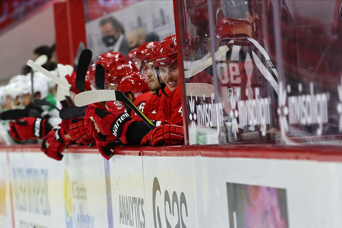 NHL: JAN 31 Stars at Hurricanes