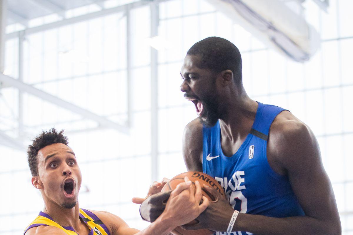 South Bay Lakers vs Delaware Blue Coats