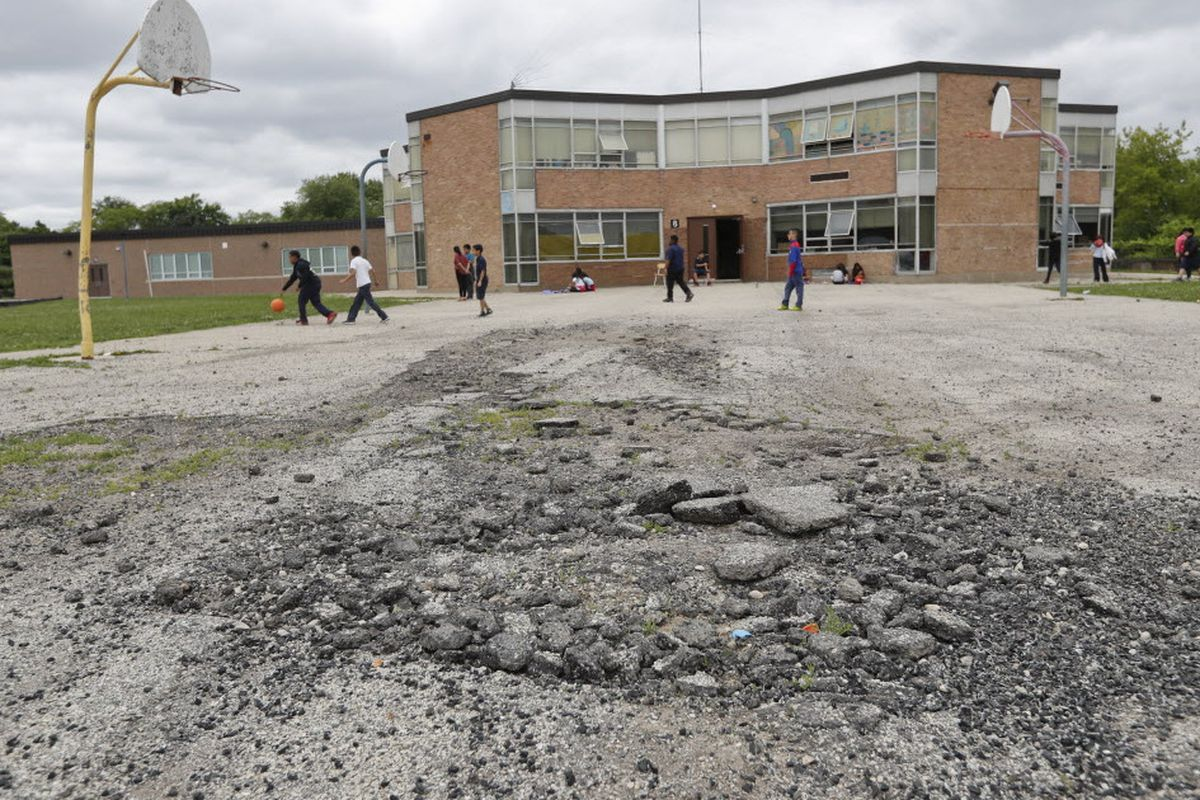 Rich-poor divide widening in school districts here and