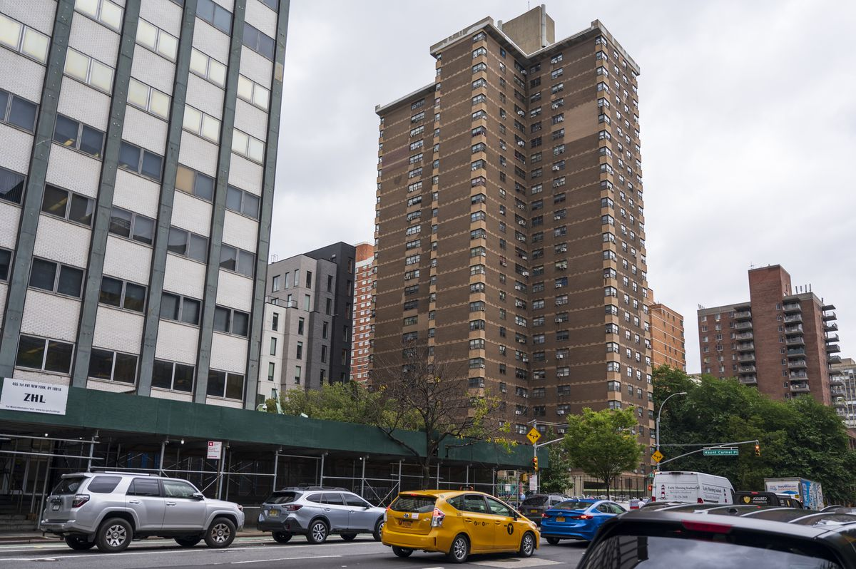 The exterior of the NYCHA Housing complex at 344 E. 28th St.
