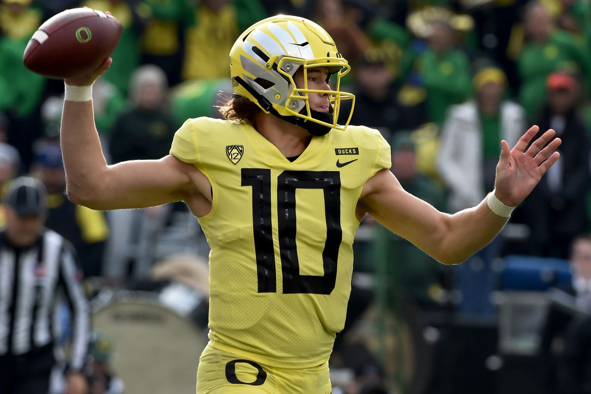 Top Rookie Quarterbacks 2020.Does History Support Qb Justin Herbert S Nfl Draft Decision The
